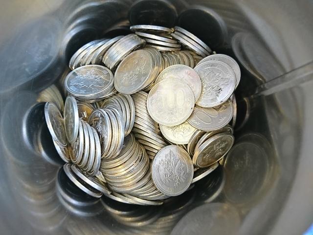500円玉貯金で貯まったら郵便局が一番!手数料なしで紙幣にできる!